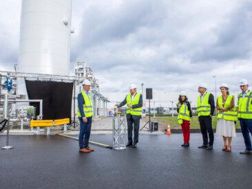 King Willem-Alexander open first Dutch bio-LNG installation